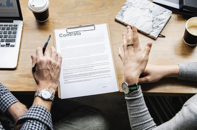 Contratos de Prestação de Serviços Continuados com Dedicação Exclusiva de Mão de Obra